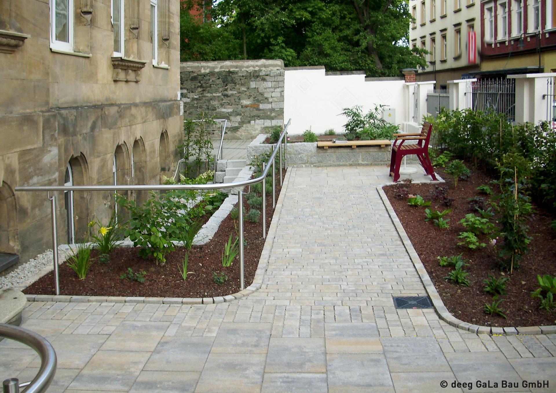 Garten Außenanlage Natursteinpflaster