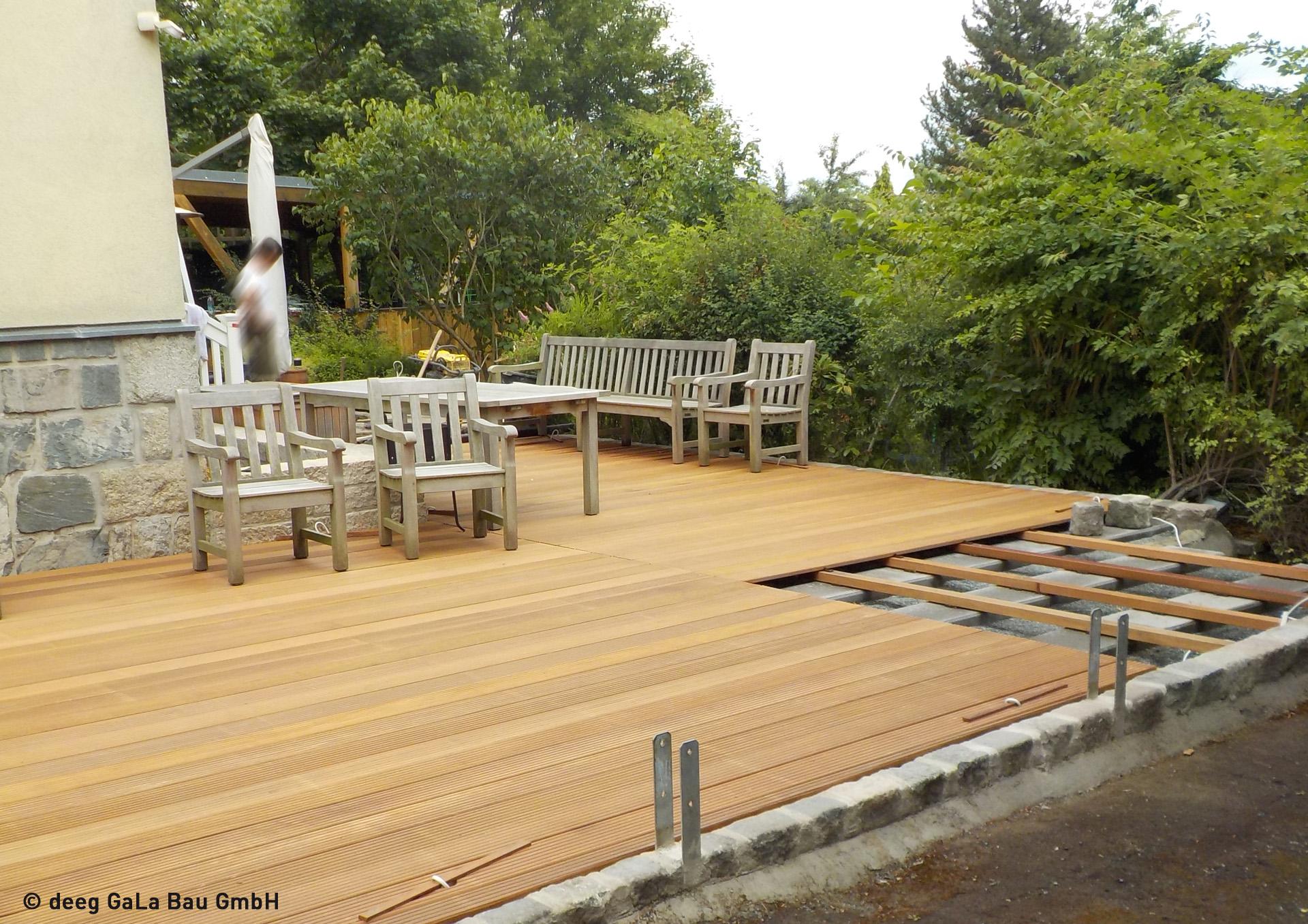 deeg Terrasse mit Holzdielen